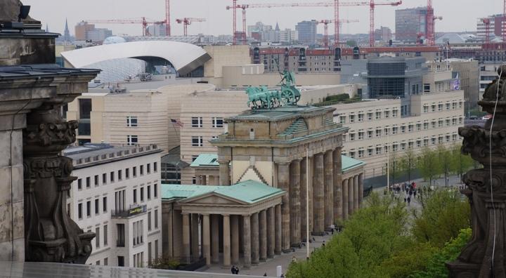 Бранденбургские-Ворота-вид-с-Рейхстага
