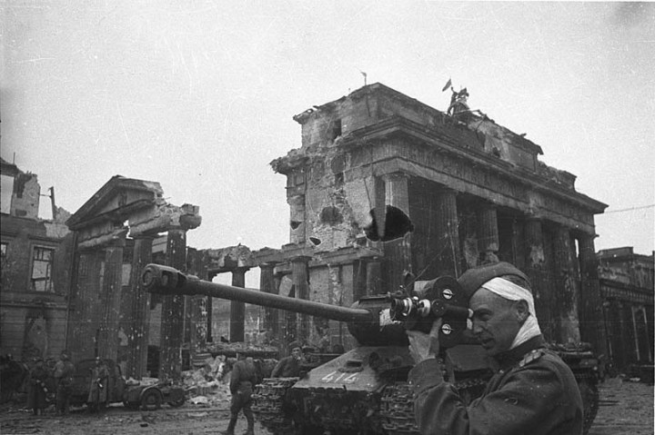 Разрушенные-Бранденбургские-Ворота
