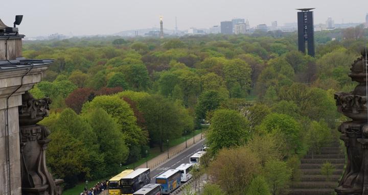 Вид-на-Колонну-Победы-с-Рейхстага