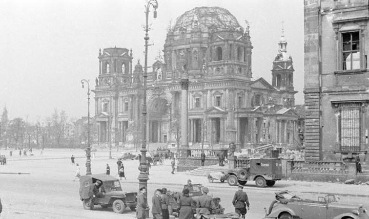Берлинский-кафедральный-собор-1945