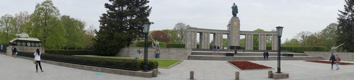 Мемориал-советским-воинам-Тиргартен-Берлин