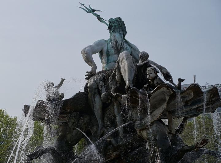 Берлин-фонтан-Нептун