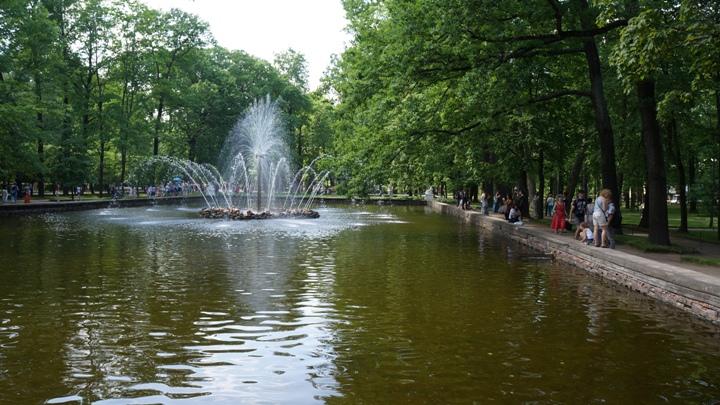 Петергоф-фонтан-Солнце