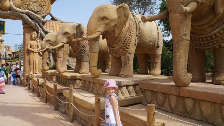 Порт-Авентура-Ангкор