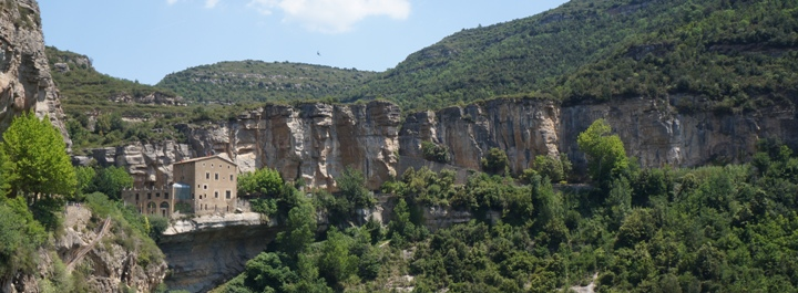Вид-на-аббатство-Сан-Микель-дель-Фай