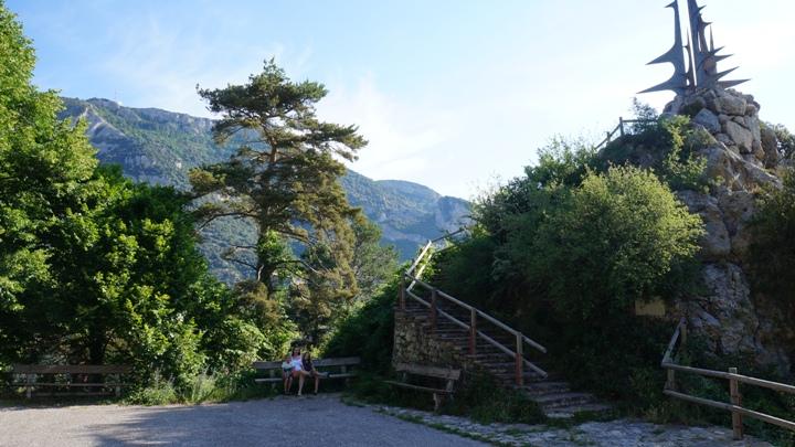 смотровая-площадка-на-пути-в-Santa-Maria-de-Queralt