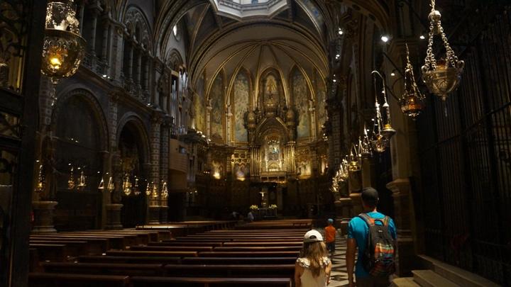 Внутри-базилики