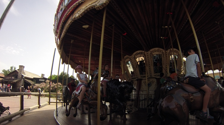Carousel-Port-Aventura-Far-West