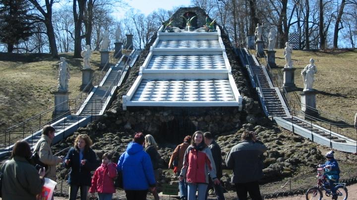 Петергоф-каскад-шахматная-гора