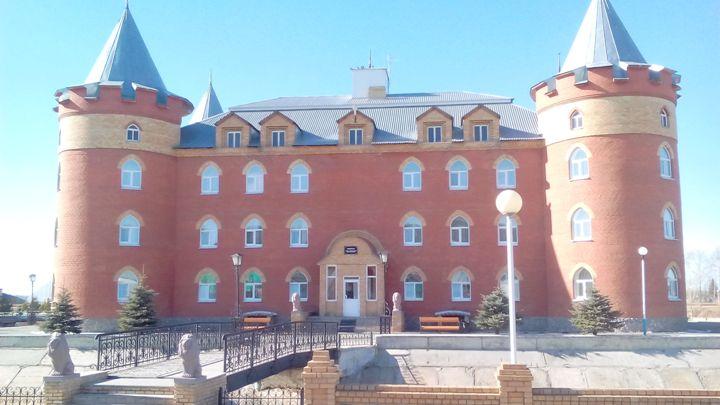 Санаторий-Обуховский-корпус-Замок