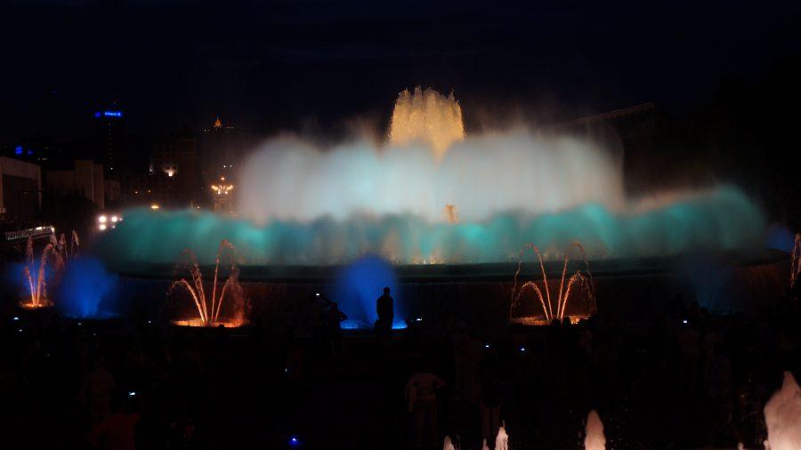 Поющий-фонтан-Барселона